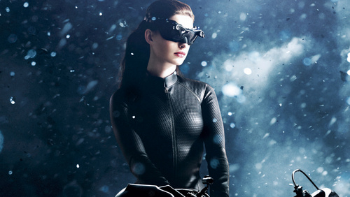 1-Catwoman-Anne-Hathaway