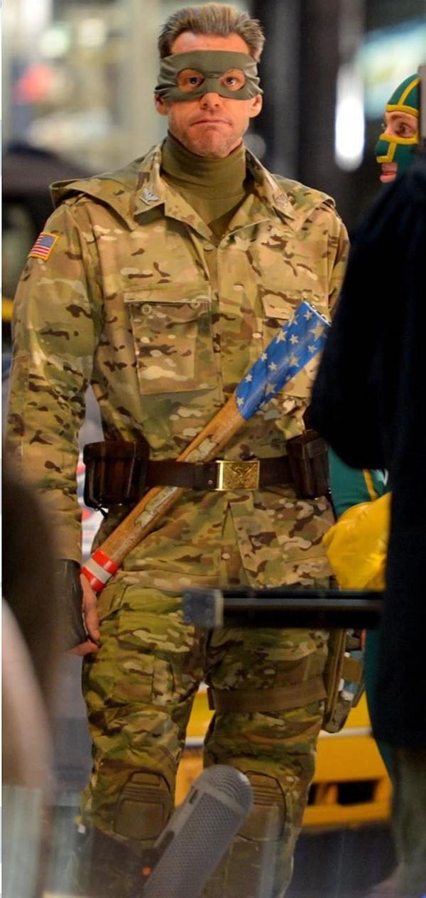 Jim-Carrey-como-Coronel-Estrelas-no-set-22Set2012_04