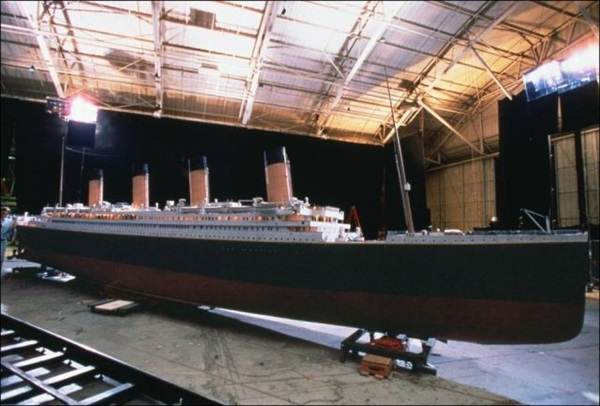 "Behind-the-scenes of Making of ""Titanic"" (13)"