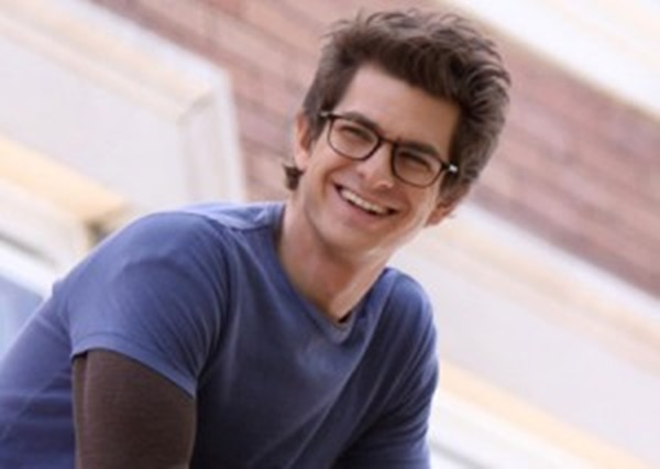 british-celebrities-american-roles-andrew-garfield-amazing-spider-man-main-300x213