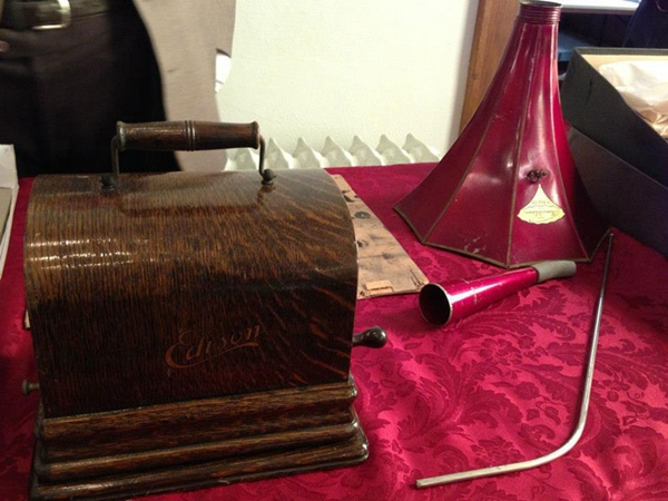 century-chest-oklahoma-100-year-old-time-capsule-contents-unveiled-4